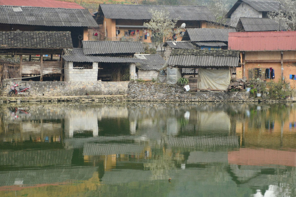 Spring in Pho Bang ancient town